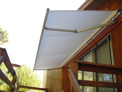 Eastern Retractable Awning - Rader Awning